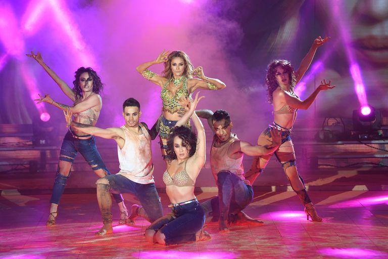 """ShowMatch: Vanina Escudero recreó """"La Cobra""""... ¡y le criticaron los zapatos!"""