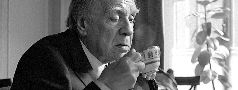 Fernández Díaz sugiere: Borges, Hemingway y una nota al diseñador Piero Tosi