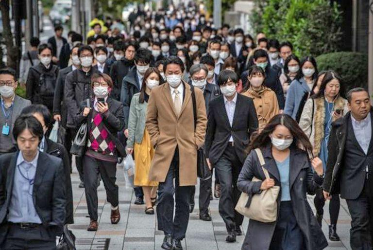 En marzo, una encuesta demostró que la mayoría de los japoneses seguían yendo a sus puestos de trabajo.