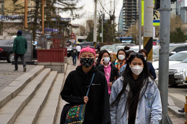 Confiaron en las vacunas chinas y ahora sufren fuertes rebrotes de la pandemia