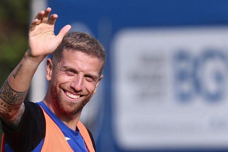 En Sevilla, Papu Gómez podrá recuperar la sonrisa que se le desdibujó en los últimos meses en Atalanta; el club andaluz marcha cuarto en la Liga de España y jugará los octavos de final de la Champions League frente a Borussia Dortmund