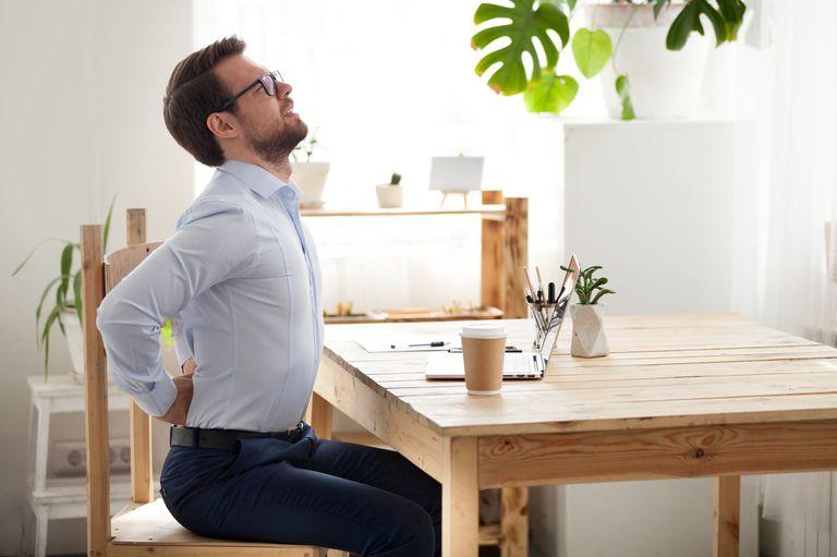 Ergonomía: qué es, cómo te afecta al trabajar, y cómo la podés mejorar en casa