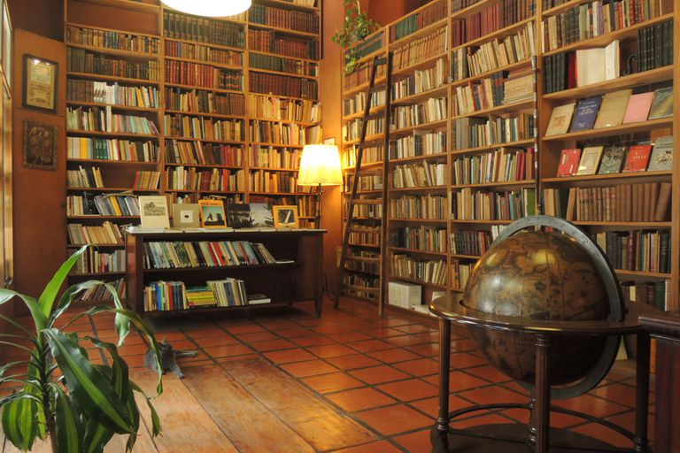 Librería Aquilanti, uno de los expositores de la Feria del Libro Antiguo