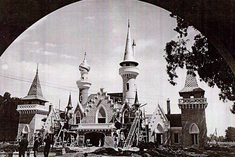En plena construcción, año 1949