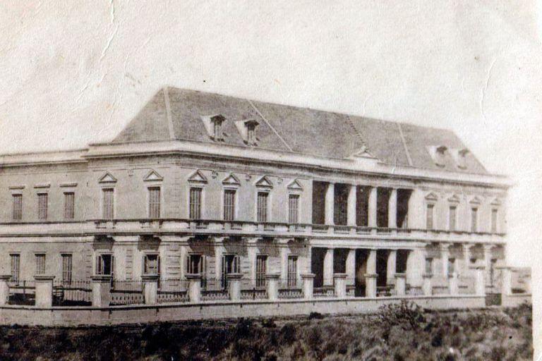 El 12 de enero de 1892, por una tormenta furiosa, los arroyos La Tigra y La Carolina se desbordaron y las calles se inundaron. Aislados de toda urbanización, la situación de los pampistas se volvió desesperante