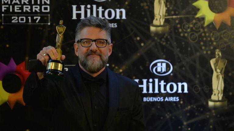 Luis Novaresio, feliz con su Martín Fierro