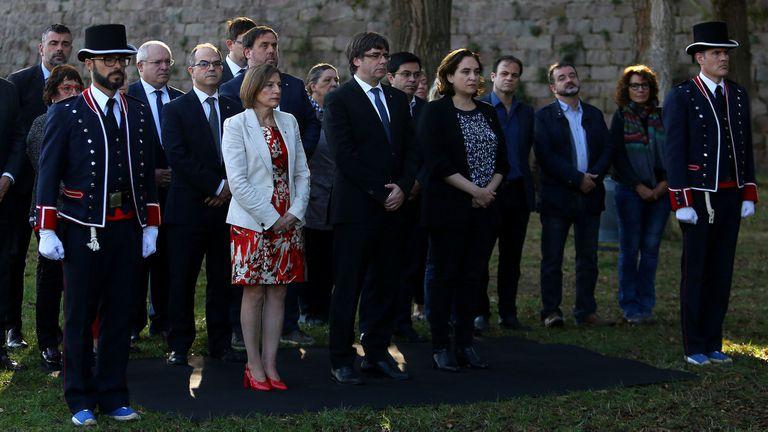 Incertidumbre en Cataluña: Puigdemont no define si declara o no la independencia