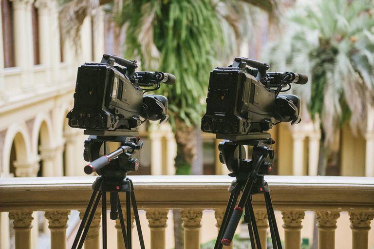 Dos cámaras, parte del equipamiento que se usa desde el G20 para las transmisiones de los actos de Macri.