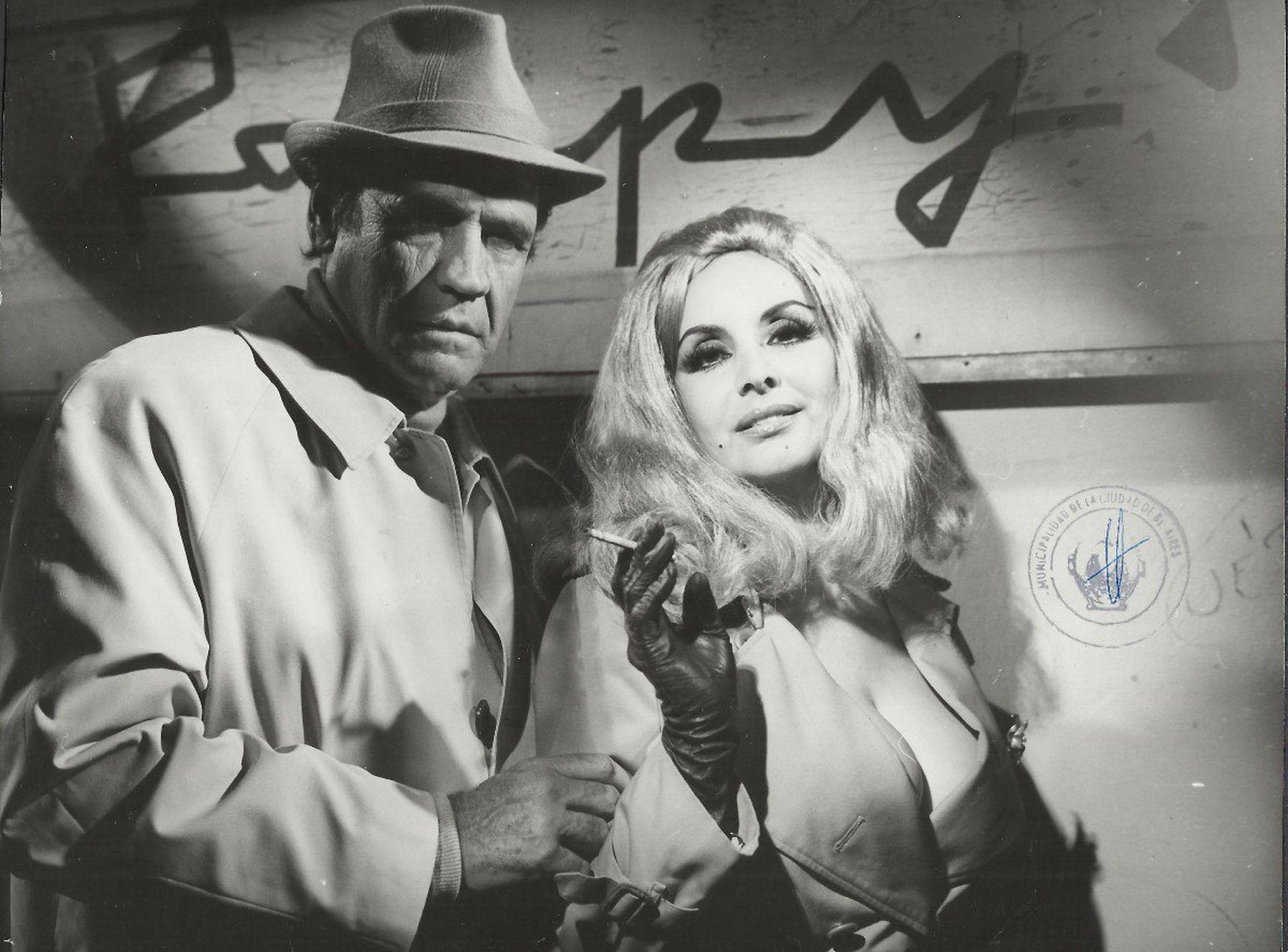 Armando Bo e Isabel Sarli en una foto publicitaria de Una mariposa en la noche.