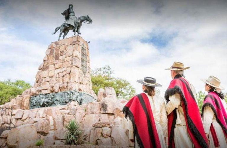 El viernes próximo, en San Nicolás, los Gauchos de Güemes harán su desfile y homenaje postergado