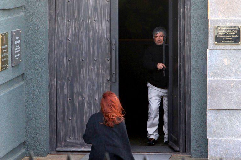 Cristina Kichner entra al mausoleo que Lázaro Báez levantó para Néstor Kirchner