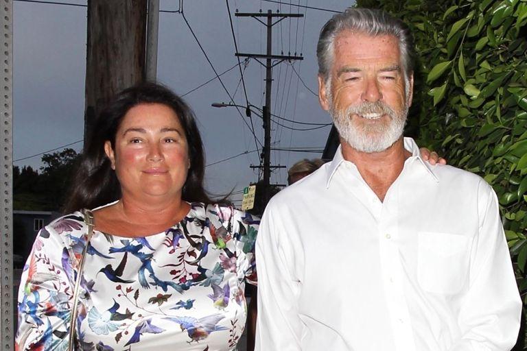 ¡De pronto flash! Pierde Brosnan junto a su mujer yendo a un restaurante italiano en Los Ángeles