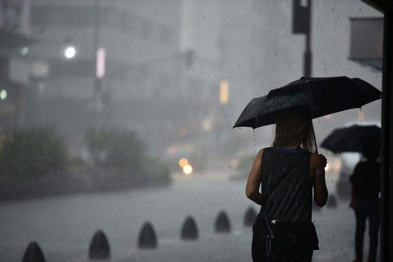 Lanzan un aviso por lluvias intensas y ráfagas de viento