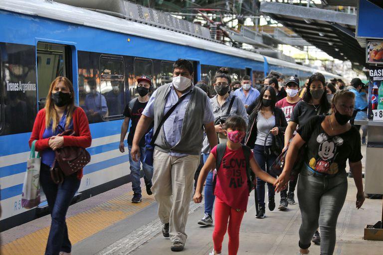 Transporte: Ya piden el DNI y hay preocupación entre los trabajadores informales