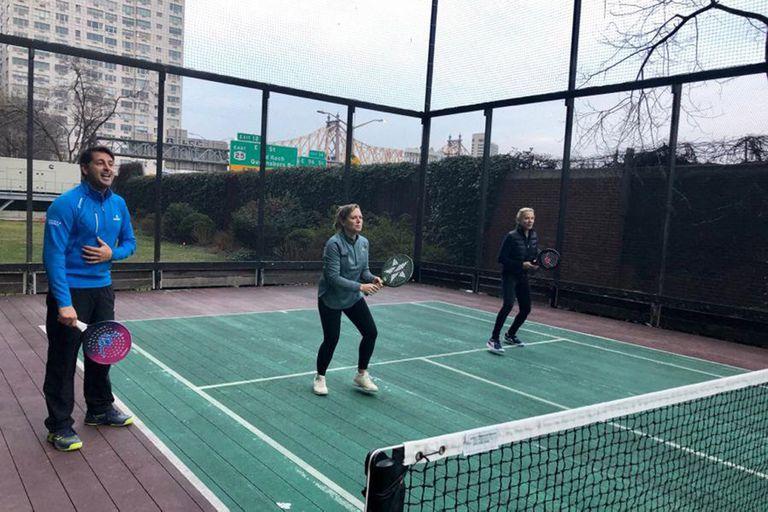Descubrir el platform tennis de mano de su máximo referente