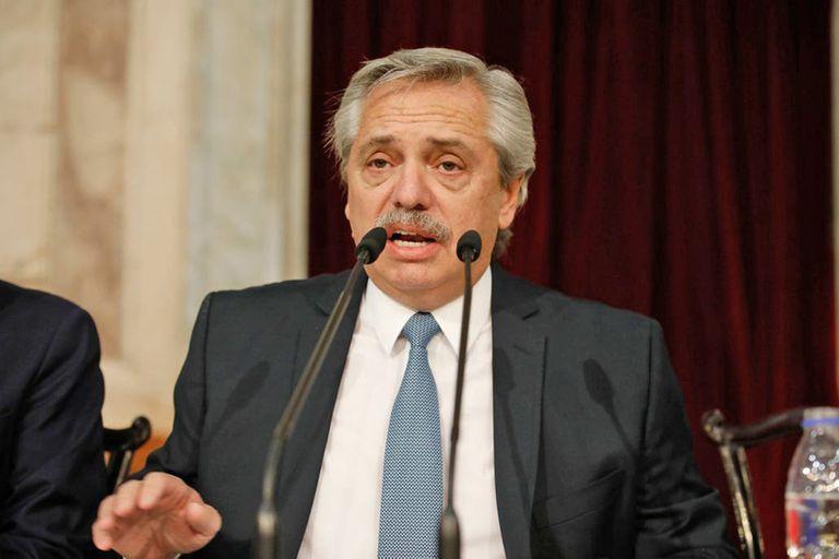 """El Presidente encomendó a Vizzotti que """"protocolice al máximo el suministro y aplicación de vacunas"""""""