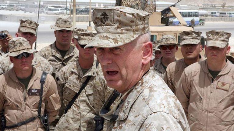 """Trump elige a un general conocido como """"Perro Rabioso"""" para el Pentágono"""