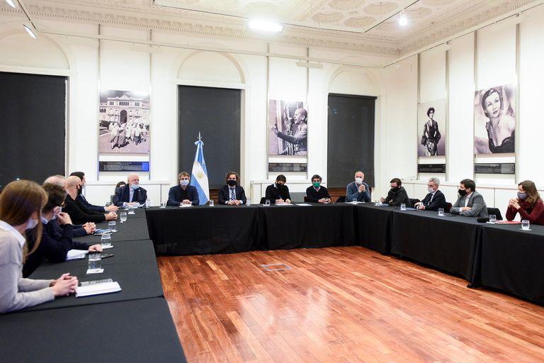 Coronavirus: Santiago Cafiero encabezó la reunión con funcionarios nacionales, porteños y bonaerenses