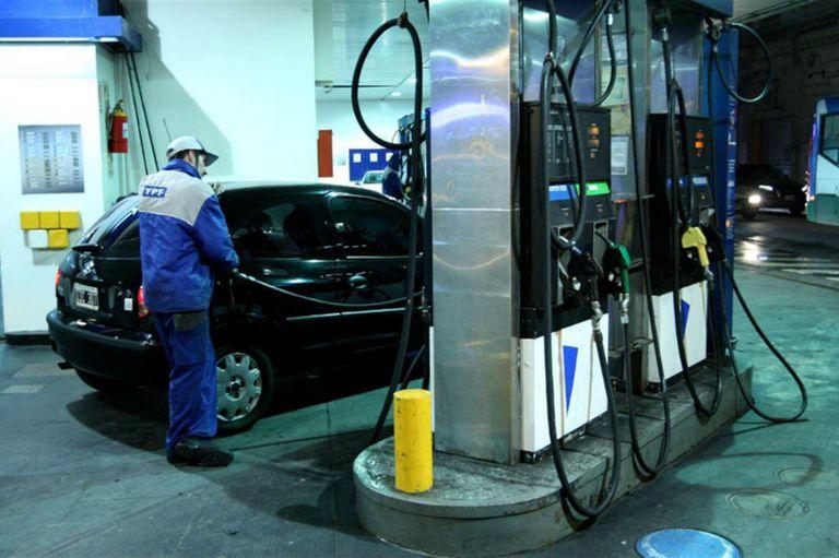 YPF anunció que aumenta sus combustibles desde hoy