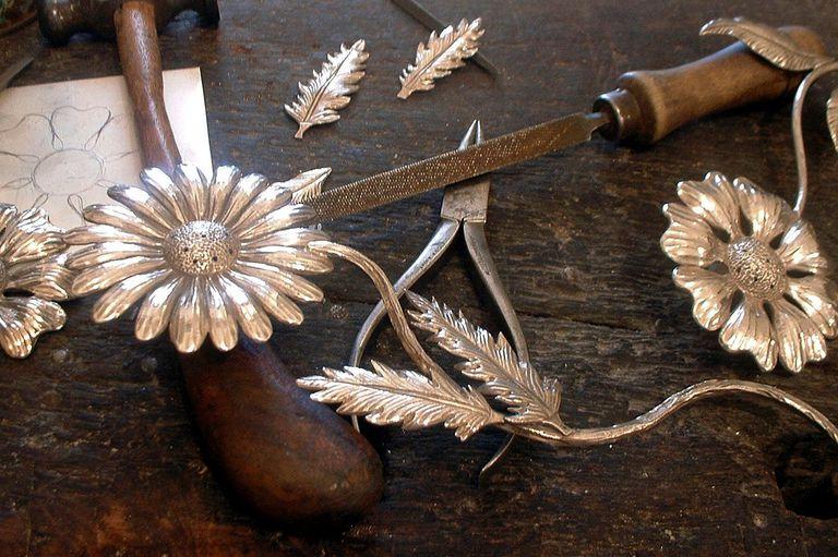 Los trabajos en plata que realizó como regalo para la boda del príncipe Felipe de Borbón con Letizia Ortiz