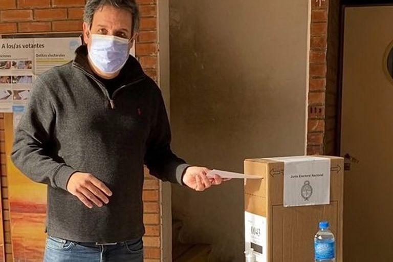 Facundo Manes, el precandidato bonaerense que votó en Retiro
