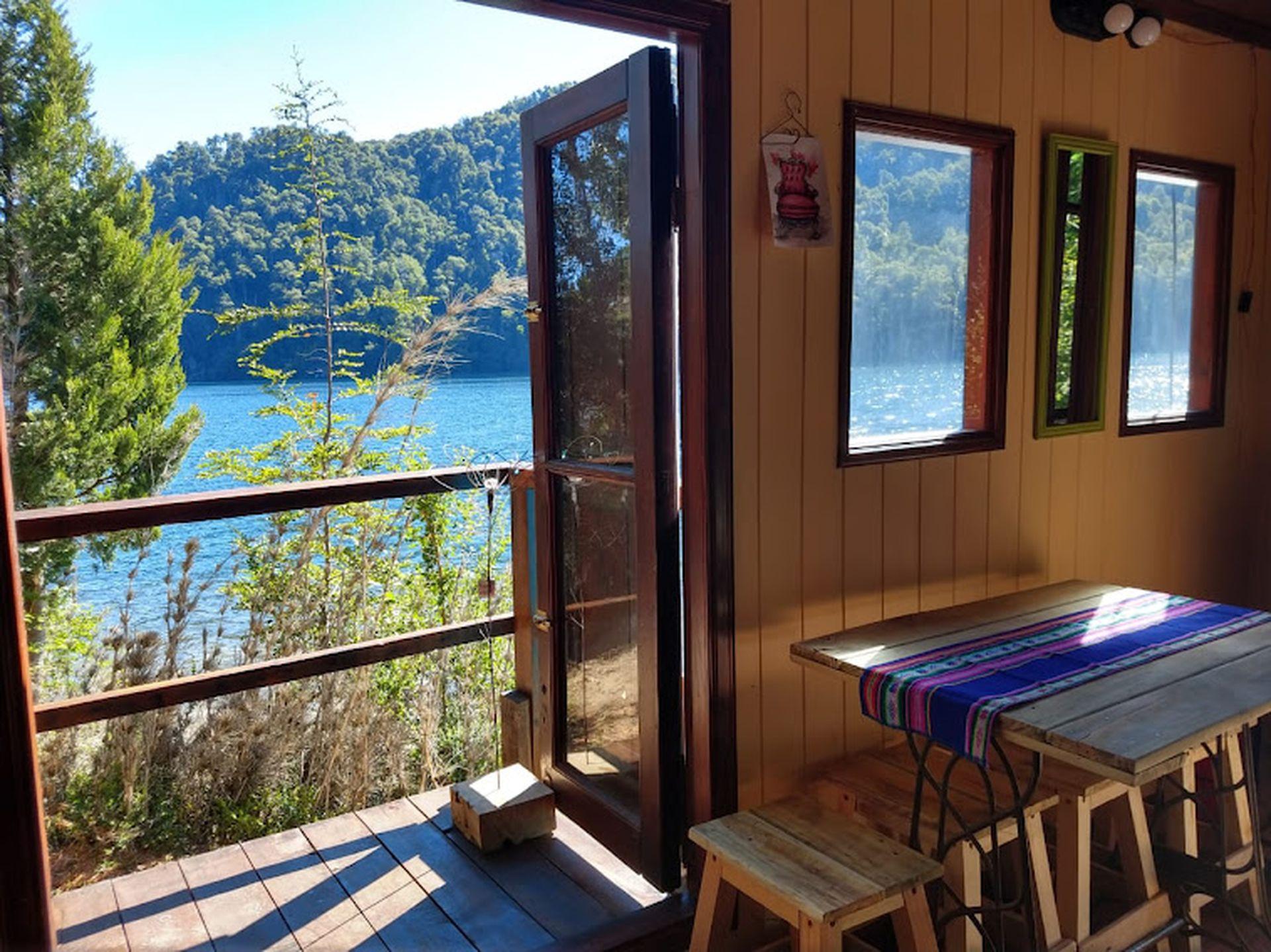 Vista privilegiada al lago Correntoso.