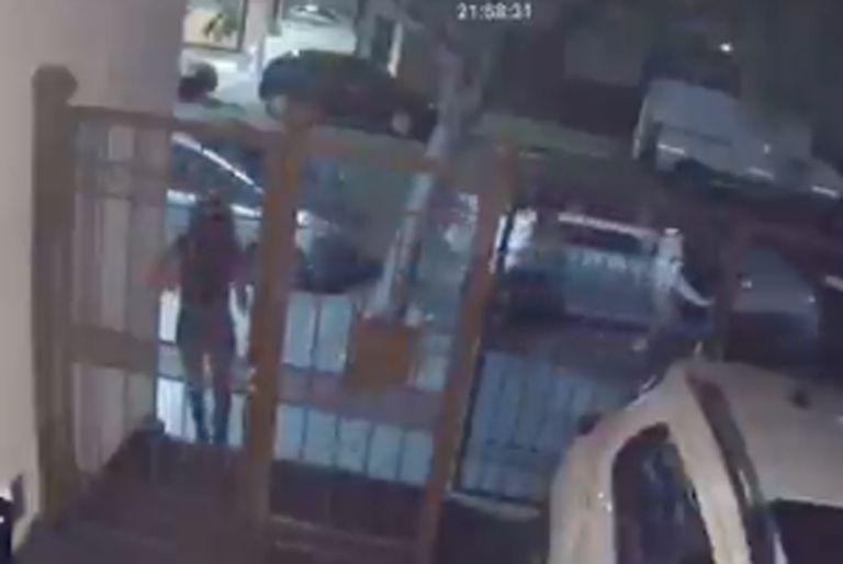 Villa Crespo: durante un robo, arrastraron a una mujer para robarle la mochila