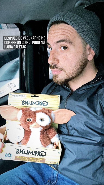 Federico Bal se vacunó contra el coronavirus y lo celebró adquiriendo un juguete coleccionable