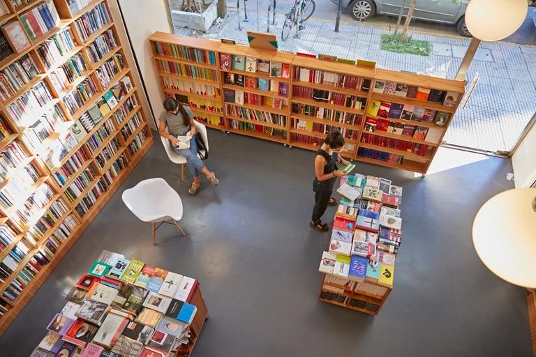 En la librería Céspedes