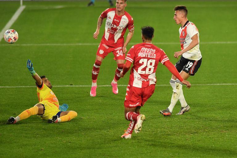 River goleó a Unión en el Monumental, con Romero, Suárez, tacos y... golazos