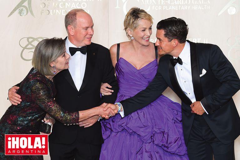 La gala de la Salud Planetaria se realizó en el Palacio del Príncipe, en Montecarlo. Alberto estuvo acompañado por su hermana mayor y estrellas de Hollywood, como Sharon Stone (recibió un premio por su labor humanitaria) y Orlando Bloom.