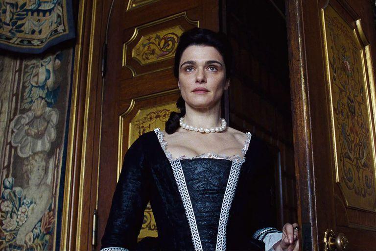 Rachel Weisz es la duquesa de Marlborough, amiga de la reina desde la infancia y su mano derecha en el poder