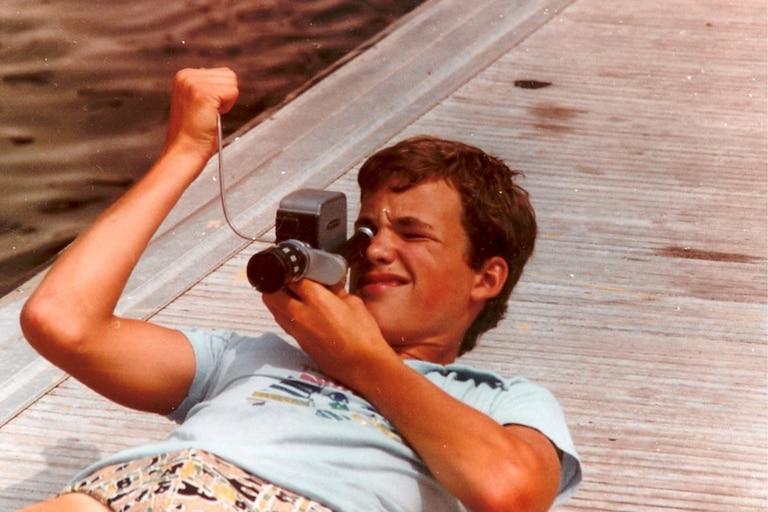 Su primer cortometraje lo filmó a los 11 años