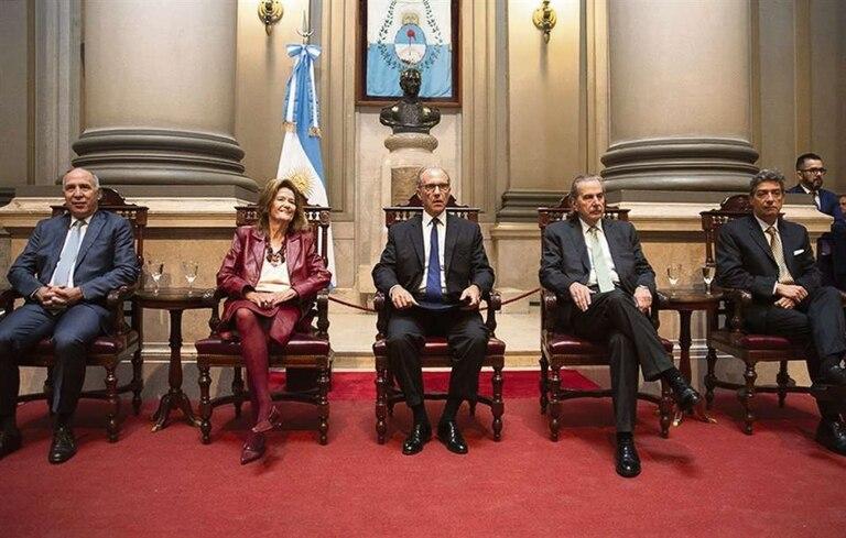 Durante los gobiernos de Cristina Kirchner se decretaron 18 traslados, suma que se elevó a 22 en la gestión de Mauricio Macri