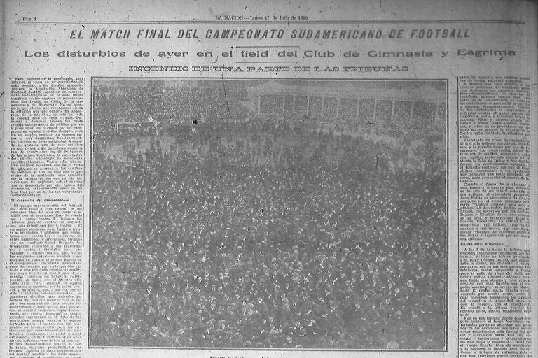 La portada de LA NACIÓN del 17 de junio de 1916, donde queda en evidencia la invasión del público en GEBA