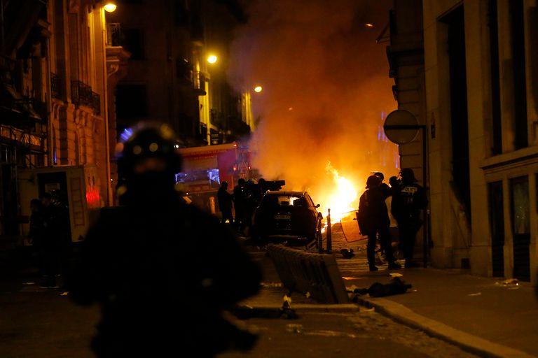 Champions: incidentes en París tras la derrota de PSG ante Bayern Munich