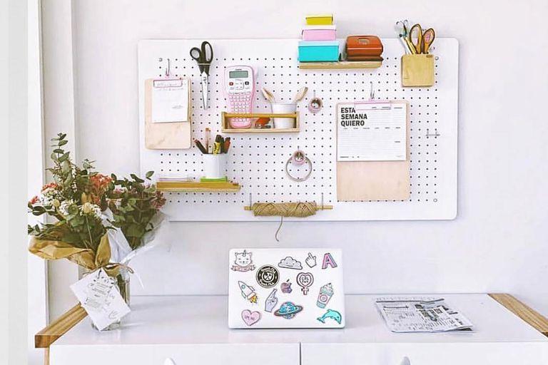 Organizador de pared para colgar, pinchar, apoyar y sujetar todo lo que necesites tener a mano. En @bord.deco podés encontrar muchas opciones y medidas (desde $2.400)