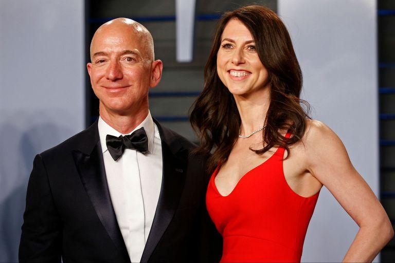 El fundador y director ejecutivo de Amazon y su mujer, la escritora MacKenzie Tuttle, alcanzaron un acuerdo para poner fin a su matrimonio valorado en 38.300 millones de dólares