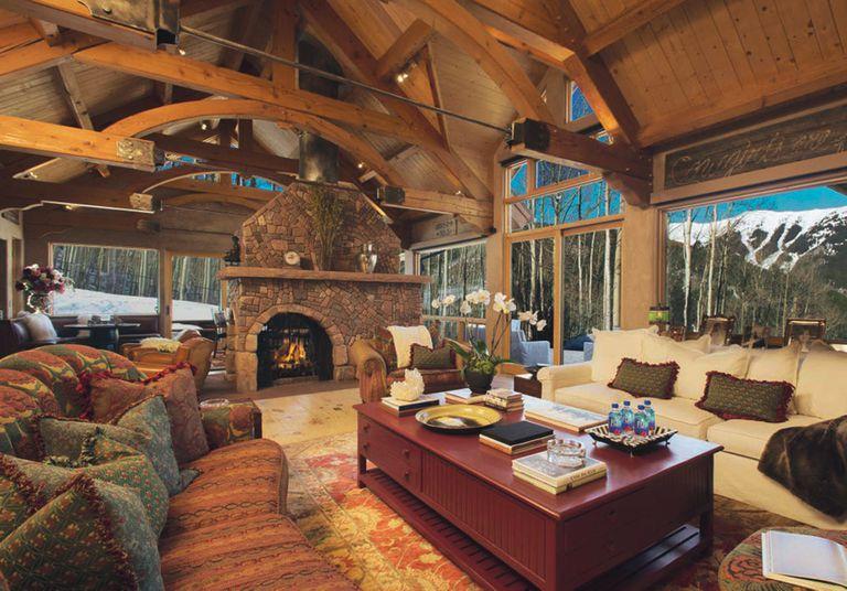 A principios de 2017 logró vender la cabaña y la casa de invitados, junto a cuatro hectáreas de tierra, por 2,24 millones de dólares.
