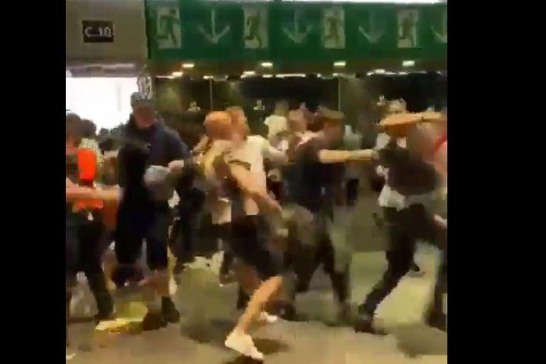 La feroz emboscada de los hinchas ingleses a los italianos, luego de la final de la Eurocopa