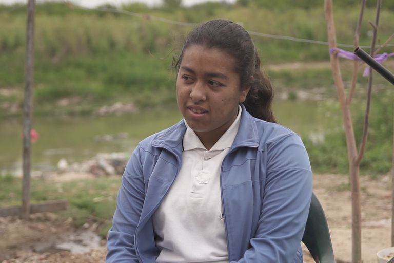 Este año, Ruth no se llevó ninguna materia. Todos los días hace el esfuerzo de ir caminando o en bicicleta a la escuela, con la esperanza de en el futuro poder recibirse y conseguir un trabajo.