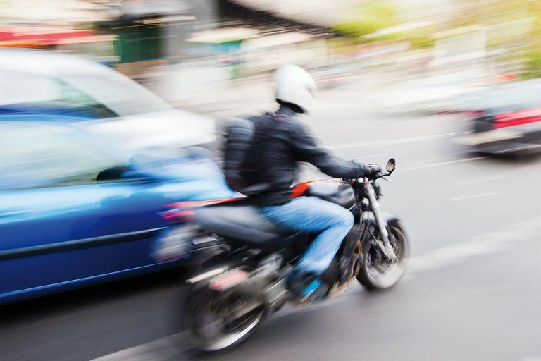 Casco. Su uso reduce un 40% la posibilidad de morir en un accidente y un 70% las heridas graves de cráneo
