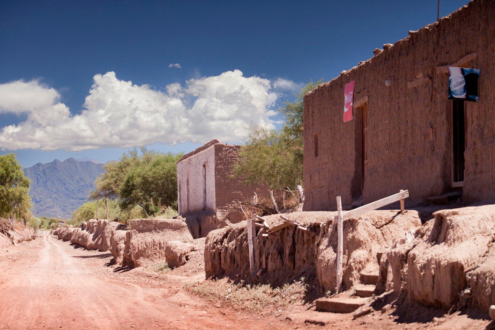 La diferencia de altura entre la calle y las casas de Jagüé