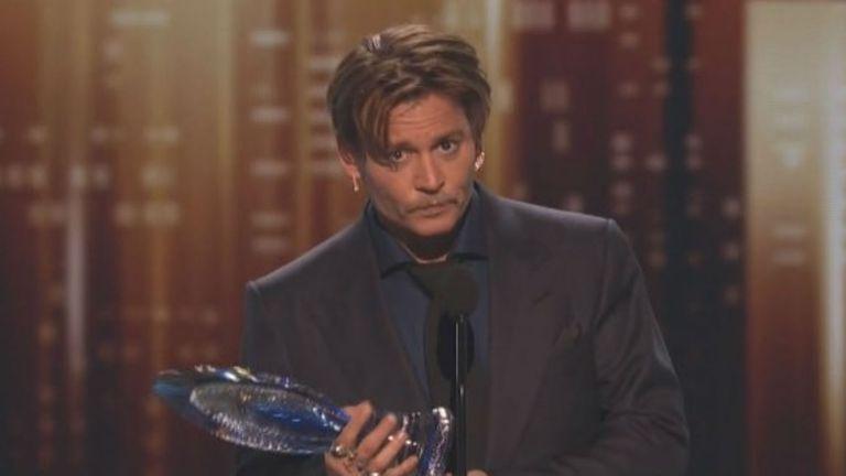 Johnny Depp recibió el galardón máximo: icono del cine