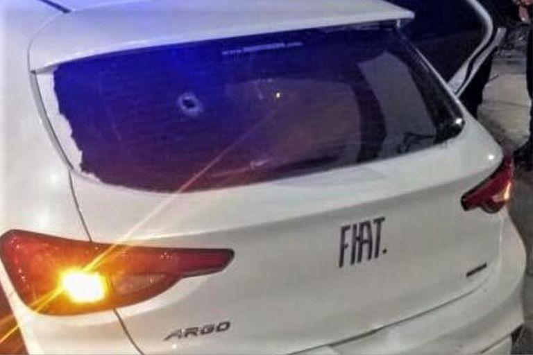 El auto en el que iba el joven de 17 años, muerto por una bala policial en Córdoba