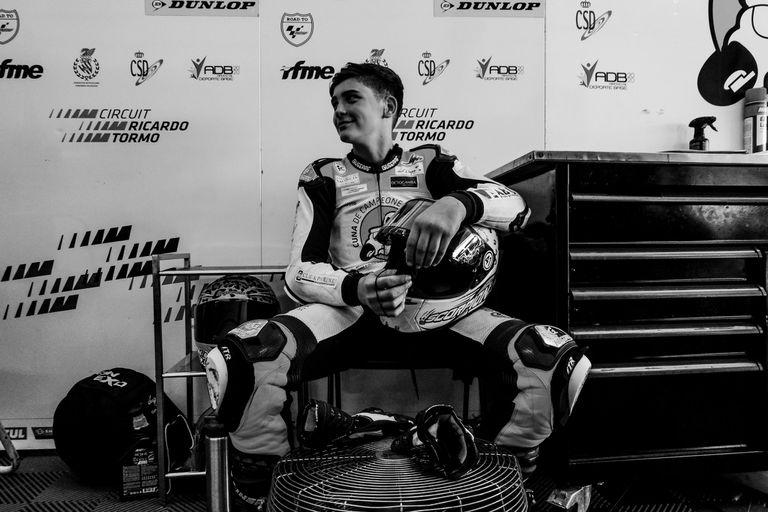 Un piloto de 14 años murió en una carrera de motos de talentos europeos