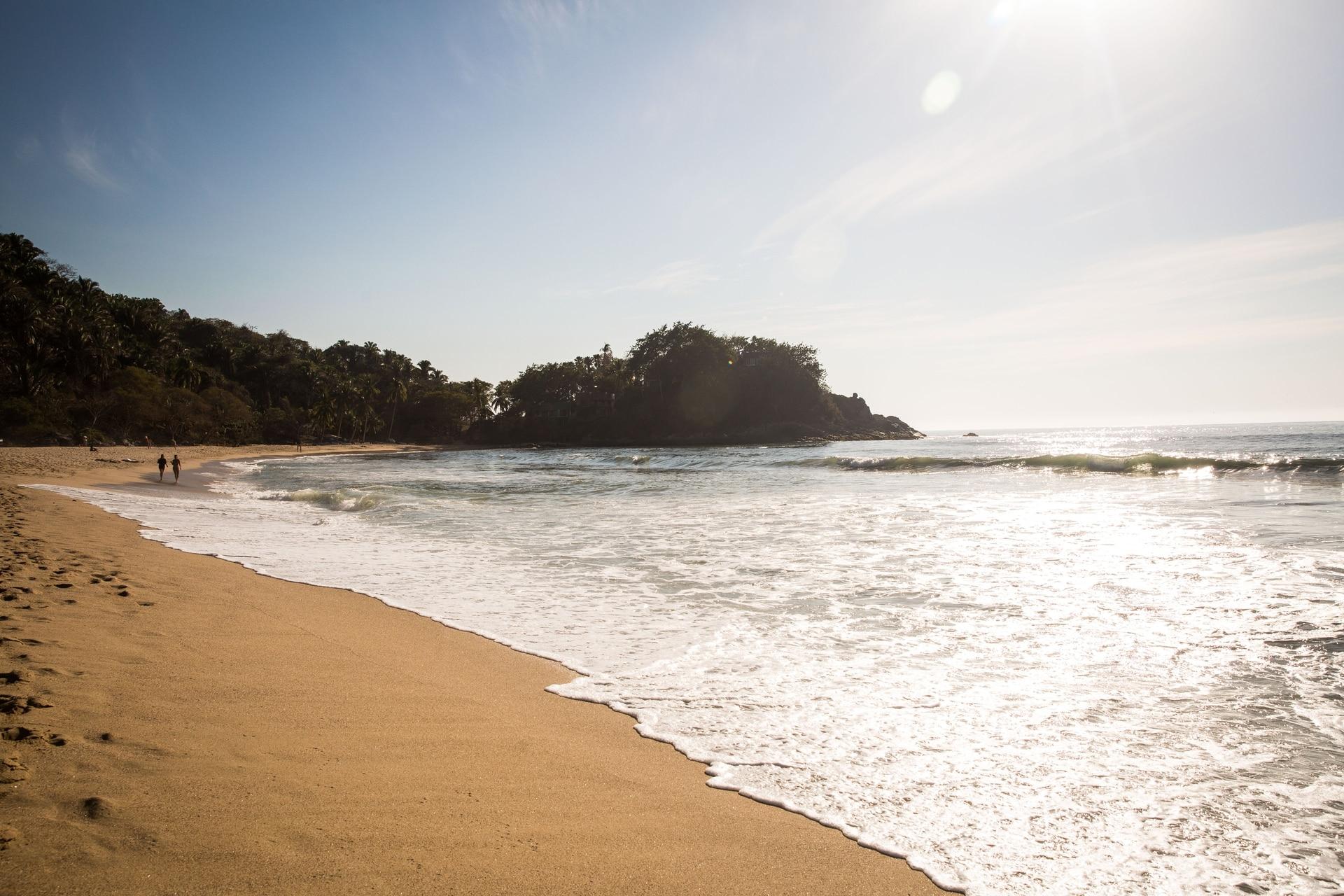 La tranquila playa de San Pancho o San Francisco, uno de los pueblos de pescadores reorientado al turismo.