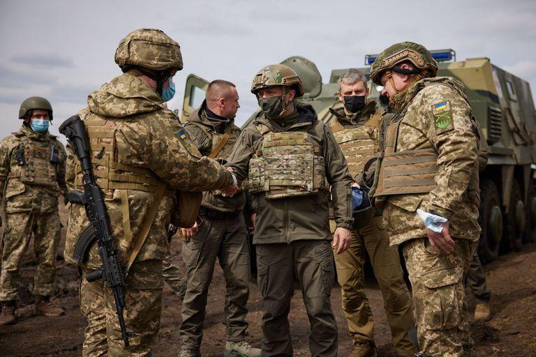 08-04-2021 Volodimir Zelenski visita el frente de combate en el este de Ucrania POLITICA EUROPA INTERNACIONAL UCRANIA PRESIDENCIA DE UCRANIA