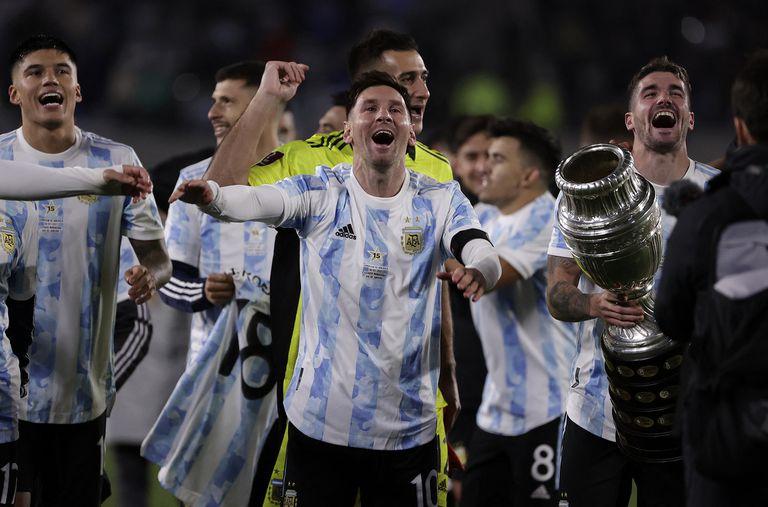 La noche del festejo fue otra vez la noche de Messi, un rey sublime