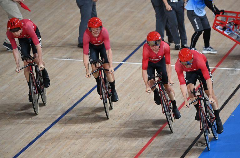 Descubren un insólito detalle en los ciclistas daneses y los acusan de hacer trampa para batir un récord